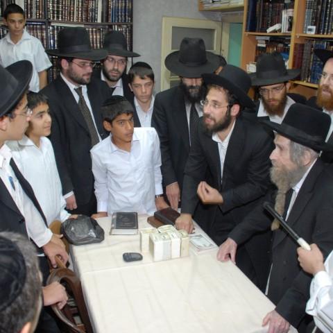 גדולי ישראל וישיבת אחינו